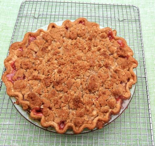 Rhubarb-Oat-Brown-Sugar-Streusel-Pie-Dede-Wilson
